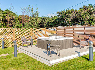 AB Sundecks Decking Surrounding Hot Tub